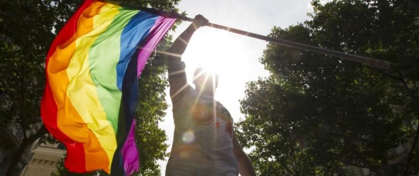Drapeau gay à la gay pride