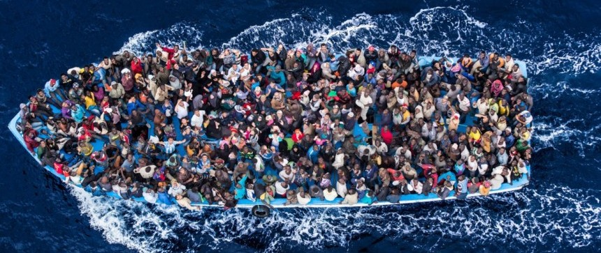 Bateau chargé de migrants